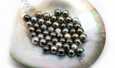 Drilling of pearls at France Perles